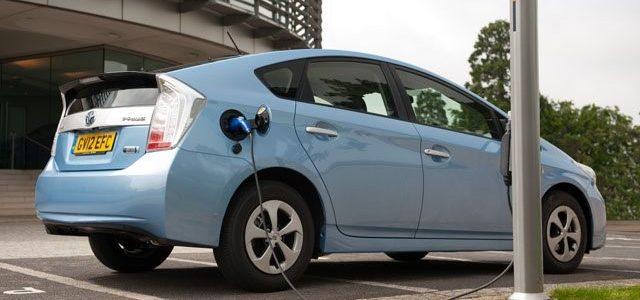 ทำความรู้จักกับยานยนต์ไฮบริด และยานยนต์ไฟฟ้าว่าคุ้มค่าที่จะลงทุนซื้อมาใช้หรือไม่ในตอนนี้?